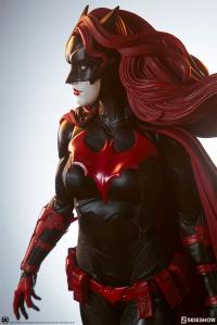 Gallery Image of Batwoman Premium Format™ Figure