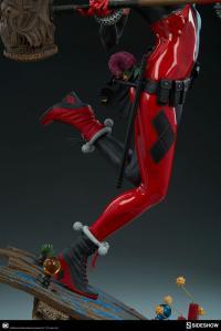 Gallery Image of Harley Quinn Premium Format™ Figure