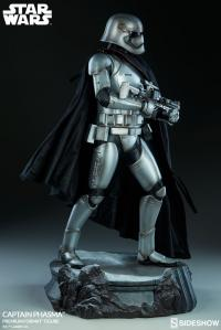 Gallery Image of Captain Phasma Premium Format™ Figure
