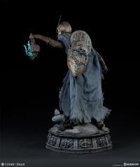 Gallery Image of Relic Ravlatch: Paladin of the Dead Premium Format™ Figure