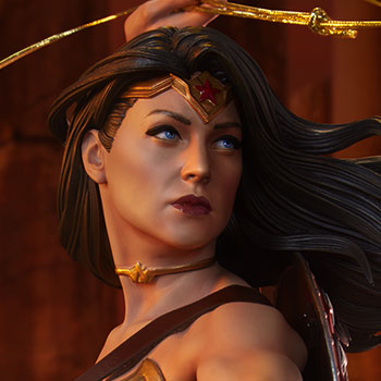Wonder Woman DC Comics Premium Format™ Figure