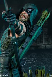 Gallery Image of Green Arrow Premium Format™ Figure