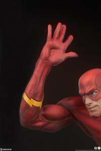 Gallery Image of The Flash Premium Format™ Figure