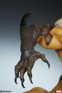 Gallery Image of Sabretooth Premium Format™ Figure