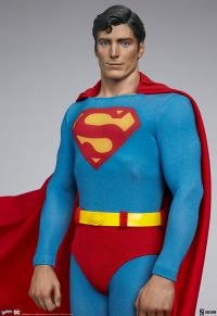 Gallery Image of Superman: The Movie Premium Format™ Figure