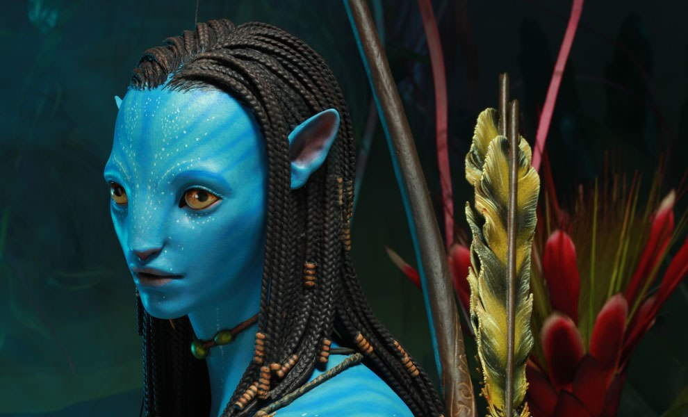 Gallery Feature Image of Neytiri Legendary Scale™ Figure - Click to open image gallery