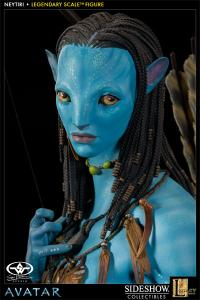 Gallery Image of Neytiri Legendary Scale™ Figure