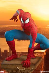 Gallery Image of Spider-Man Legendary Scale™ Figure