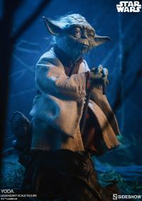 Gallery Image of Yoda Legendary Scale™ Figure