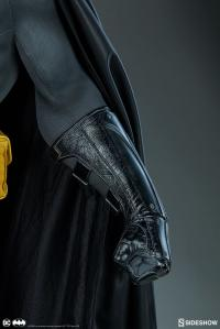 Gallery Image of Batman Legendary Scale™ Figure