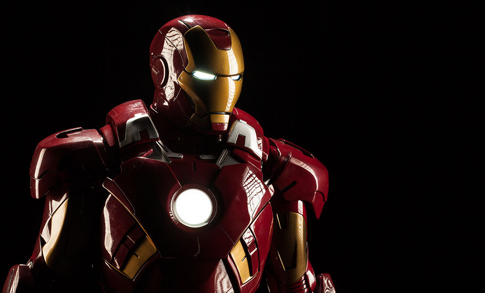 Gallery Feature Image of Iron Man Mark VII Legendary Scale™ Figure - Click to open image gallery
