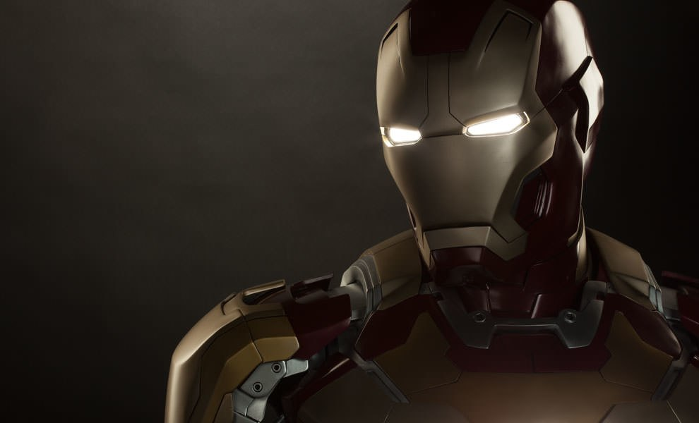 Gallery Feature Image of Iron Man Mark 42 Life-Size Bust - Click to open image gallery
