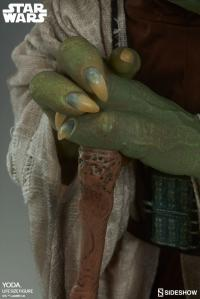 Gallery Image of Yoda Life-Size Figure