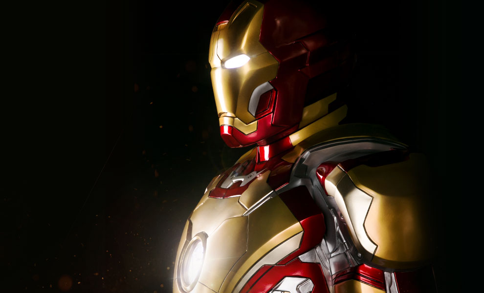 Gallery Feature Image of Iron Man Mark 42 Life-Size Figure - Click to open image gallery