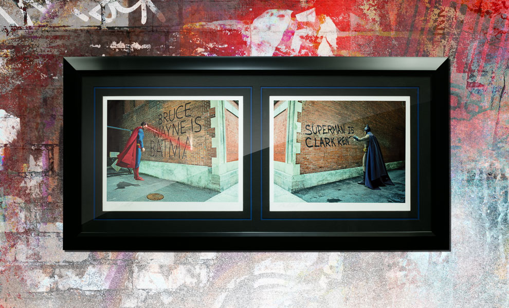 Gallery Feature Image of Graffiti War Batman vs Superman Art Print - Click to open image gallery
