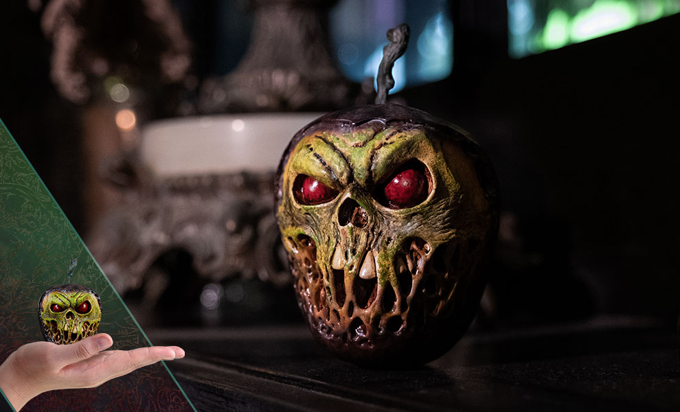 Gallery Feature Image of Court of the Dead Skull Apple (Rancid Version) Prop Replica - Click to open image gallery