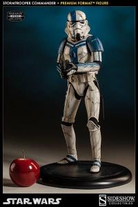 Gallery Image of Stormtrooper Commander Premium Format™ Figure