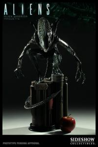 Gallery Image of Alien Warrior Maquette