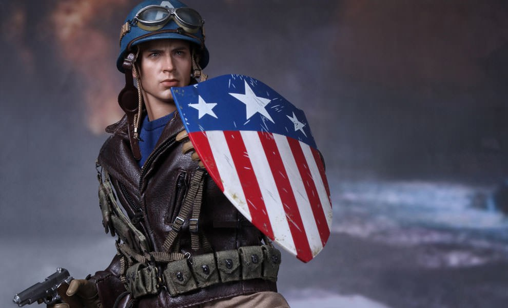 Gallery Feature Image of Captain America - Rescue Version Sixth Scale Figure - Click to open image gallery