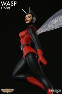 Gallery Image of Wasp Classic Action Polystone Statue
