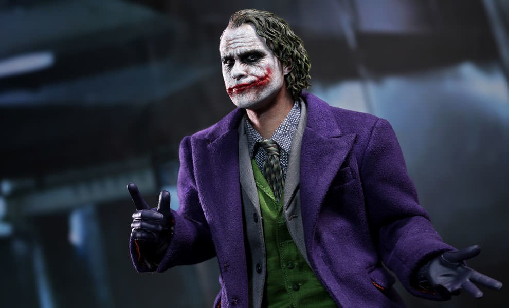Gallery Feature Image of The Joker 2.0 - DX Series Sixth Scale Figure - Click to open image gallery