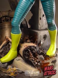 Gallery Image of Mars Attacks Statue