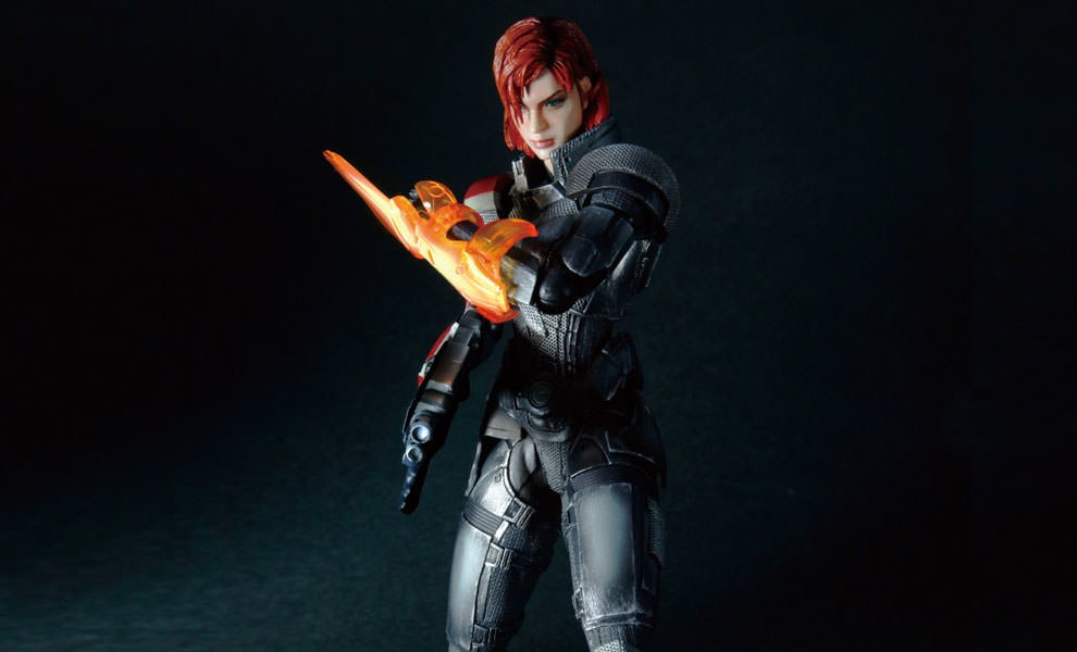 Gallery Feature Image of Female Commander Shepard Collectible Figure - Click to open image gallery