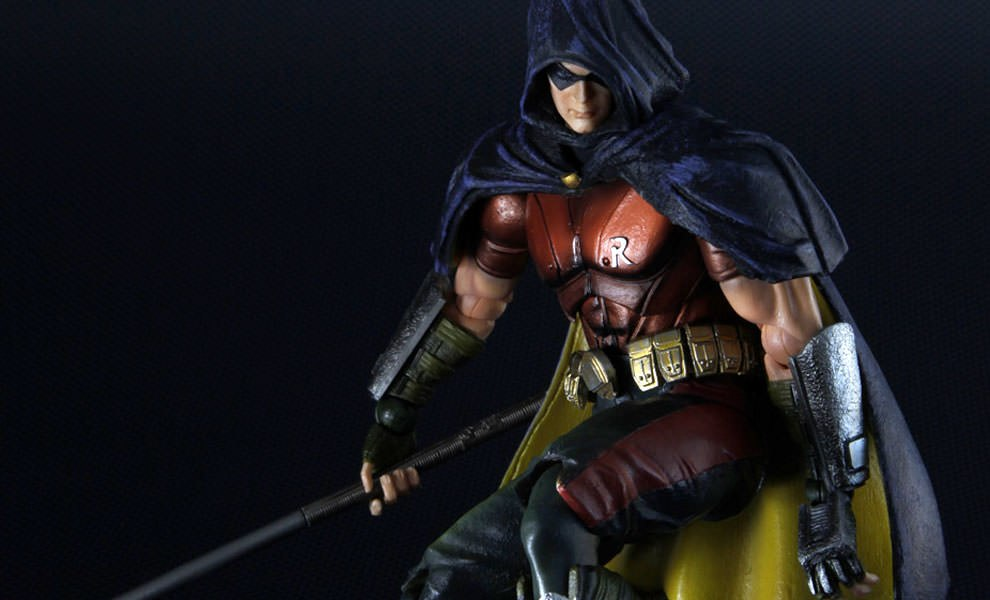 Gallery Feature Image of Robin - Arkham City Collectible Figure - Click to open image gallery