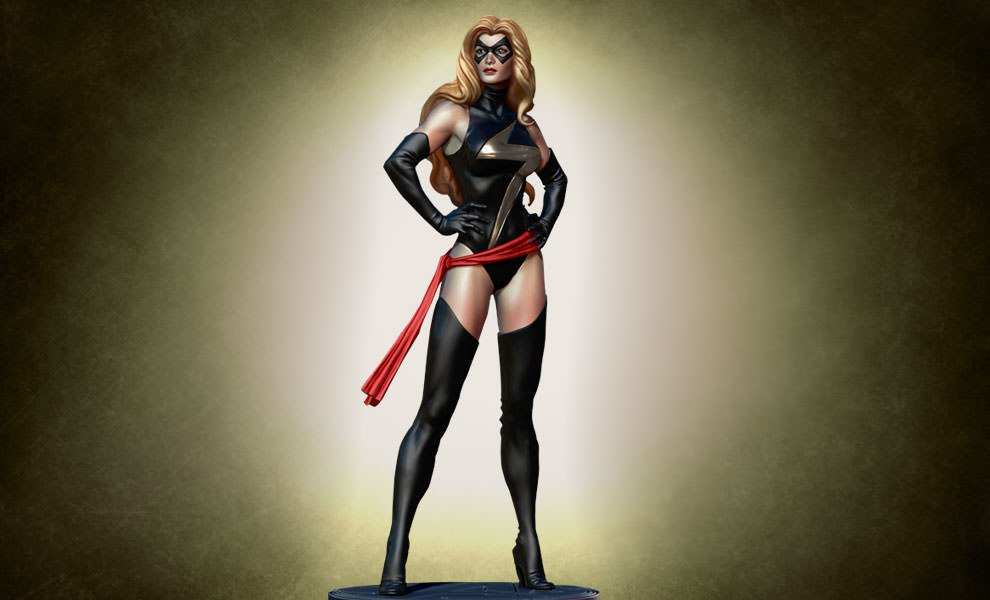 Gallery Feature Image of Ms. Marvel: Warbird Polystone Statue - Click to open image gallery