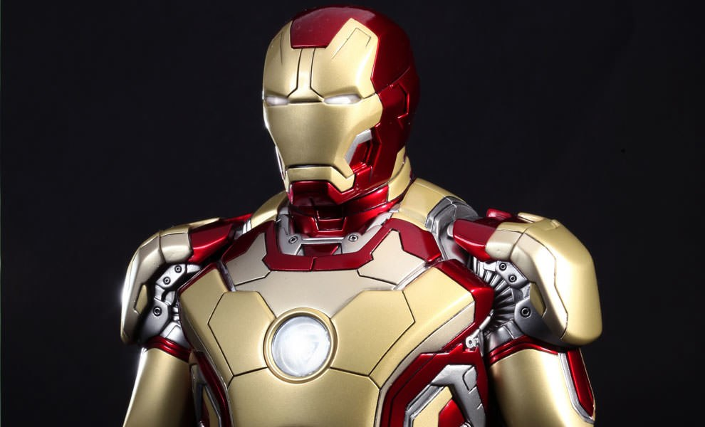 Gallery Feature Image of Iron Man Mark XLII Collectible Bust - Click to open image gallery