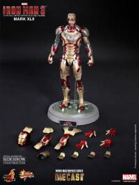Gallery Image of Iron Man Mark XLII (42) Sixth Scale Figure