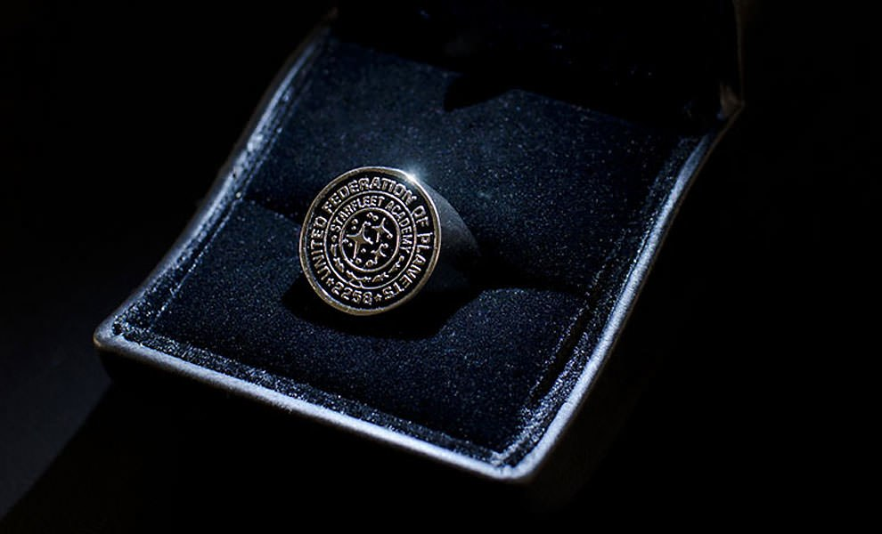 Gallery Feature Image of Starfleet Academy Ring - Star Trek Into Darkness Prop Replica - Click to open image gallery