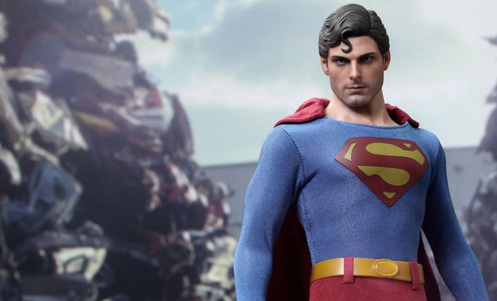 Gallery Feature Image of Superman (Evil Version) Sixth Scale Figure - Click to open image gallery