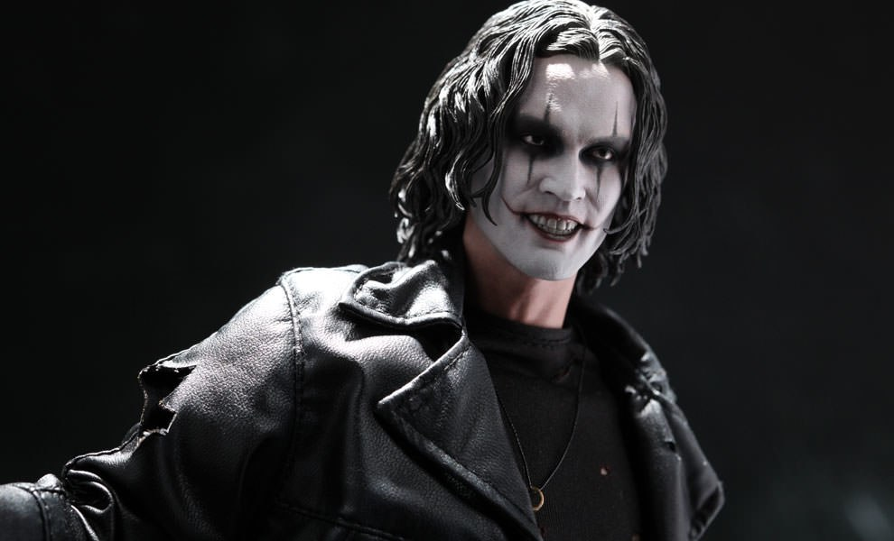 Gallery Feature Image of Eric Draven - The Crow Sixth Scale Figure - Click to open image gallery