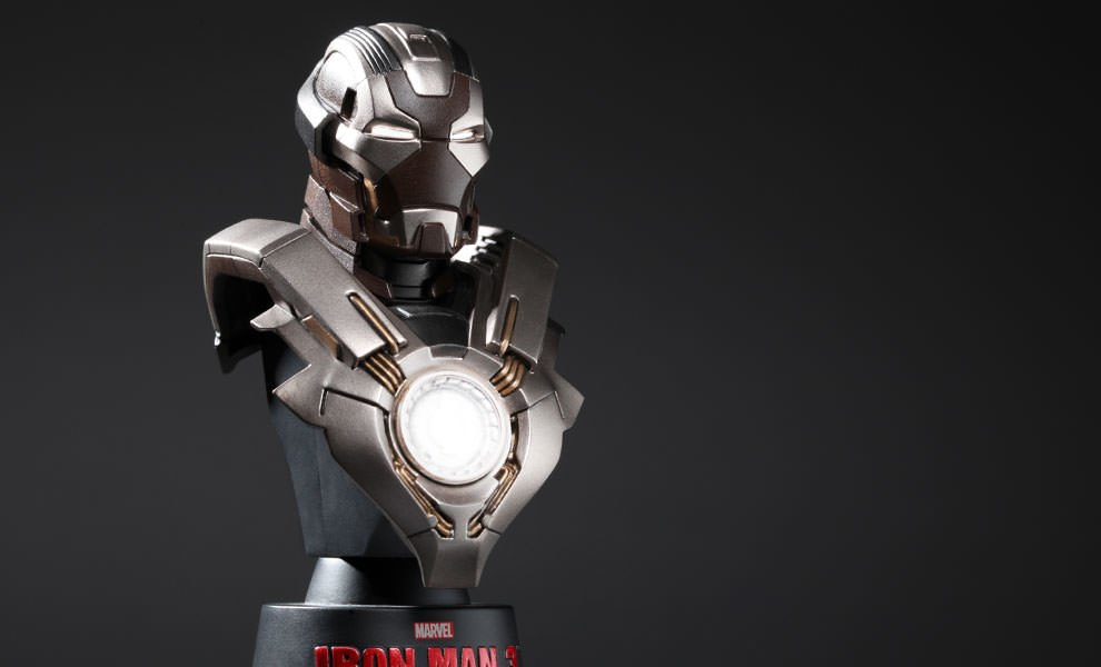 Gallery Feature Image of Iron Man Mark 24 Collectible Bust - Click to open image gallery