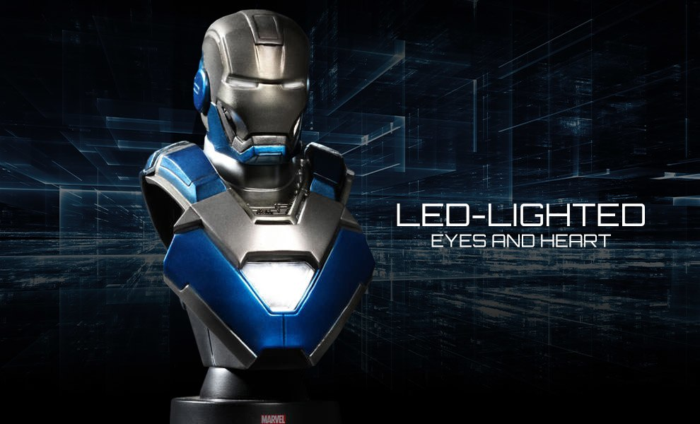 Gallery Feature Image of Iron Man Mark 30 Collectible Bust - Click to open image gallery