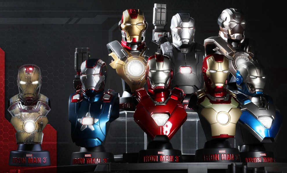 Gallery Feature Image of Iron Man 3 - Deluxe Set  Collectible Bust - Click to open image gallery