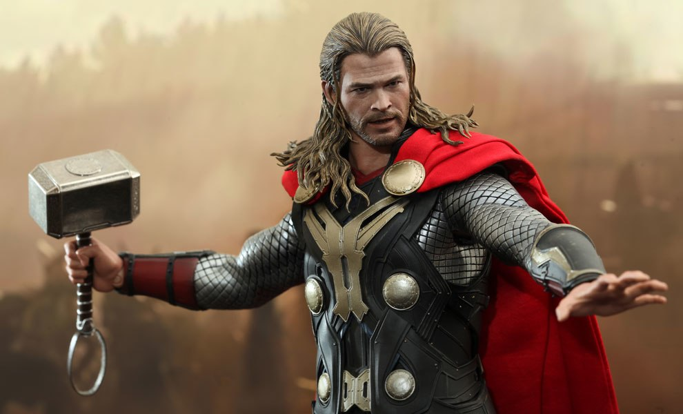 Gallery Feature Image of Thor Sixth Scale Figure - Click to open image gallery