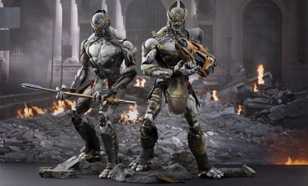 Gallery Feature Image of Chitauri Commander and Footsoldier Sixth Scale Figure - Click to open image gallery
