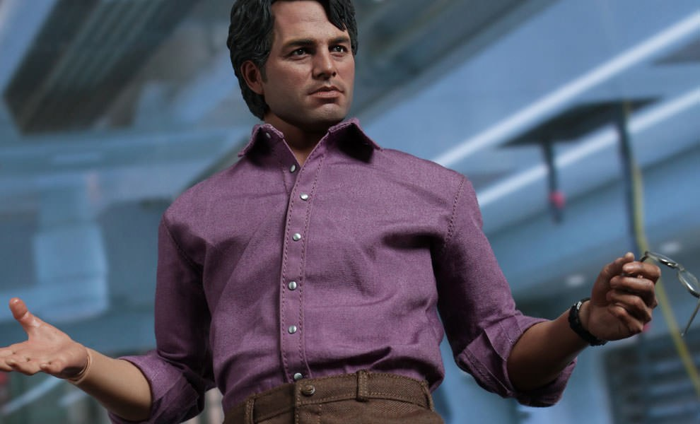 Gallery Feature Image of Bruce Banner Sixth Scale Figure - Click to open image gallery