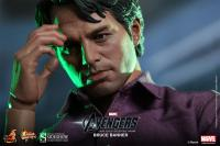 Gallery Image of Bruce Banner and Hulk Sixth Scale Figure
