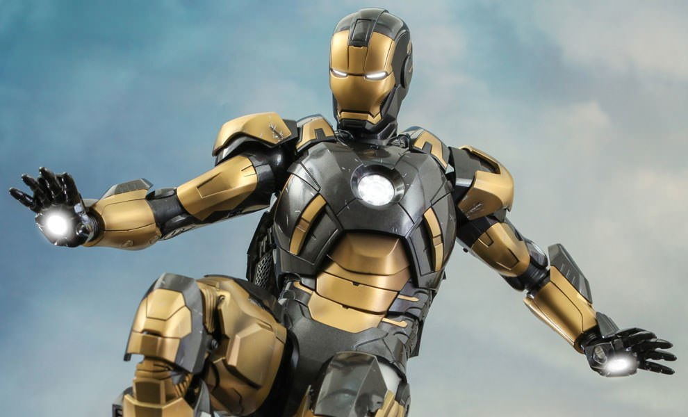 Gallery Feature Image of Iron Man Mark XX - Python Sixth Scale Figure - Click to open image gallery