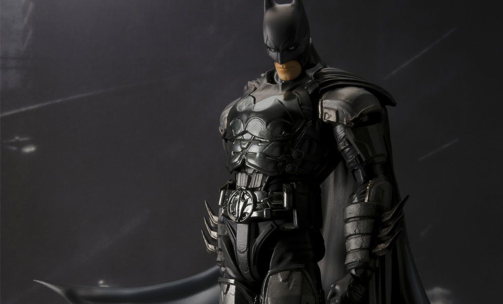 Gallery Feature Image of Batman (Injustice Version) Collectible Figure - Click to open image gallery