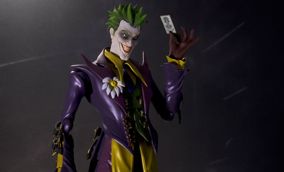 Gallery Feature Image of Joker (Injustice Version) Collectible Figure - Click to open image gallery