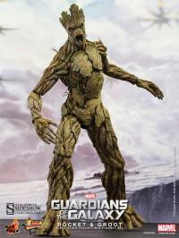 Gallery Image of Rocket and Groot Sixth Scale Figure