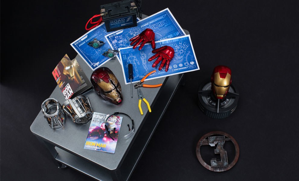 Gallery Feature Image of Iron Man Workshop Accessories Collectible Set - Click to open image gallery