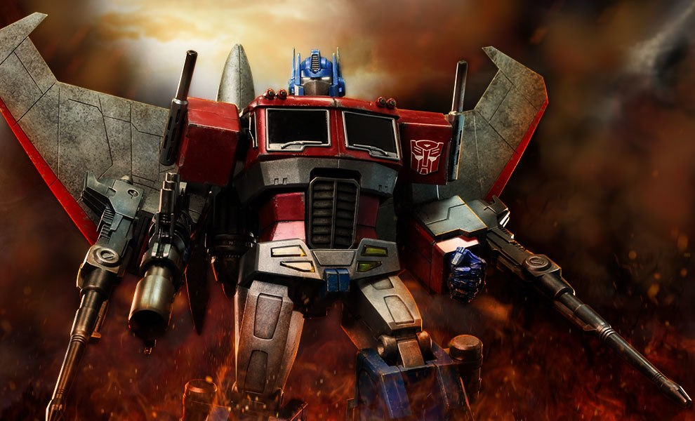Gallery Feature Image of Optimus Prime (Starscream Version) Collectible Figure - Click to open image gallery