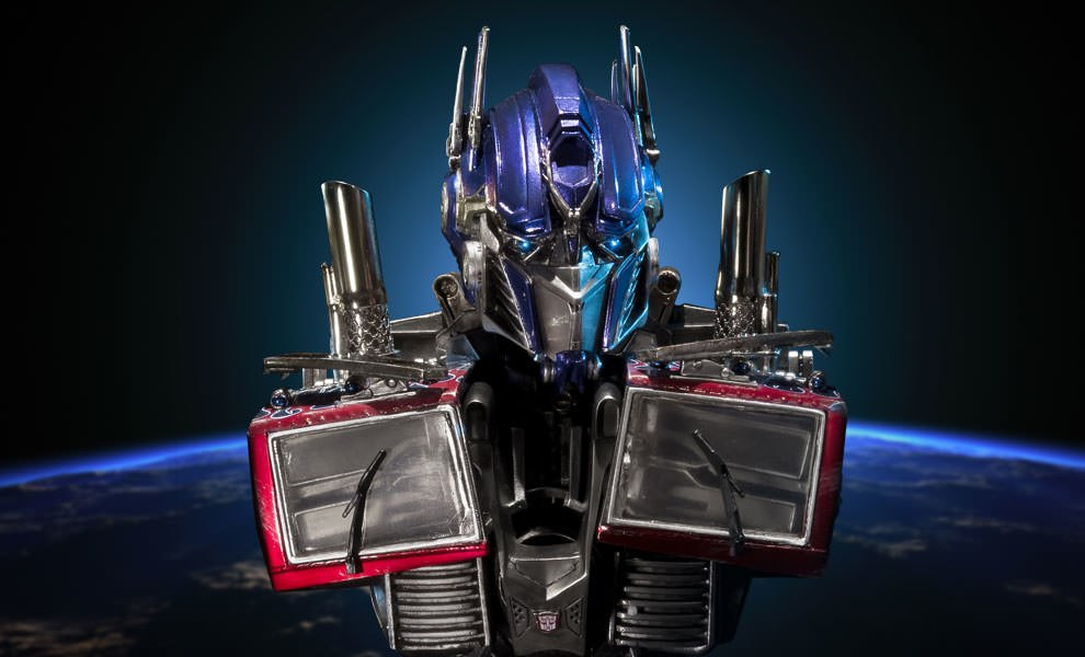 Gallery Feature Image of Optimus Prime Bust - Click to open image gallery