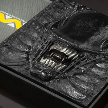 Alien The Weyland-Yutani Report Collectors Edition Book