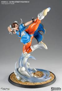 Gallery Image of Chun-Li Collectible Figure